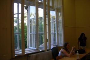 کلاس درس کالج مک دنیل مجارستان